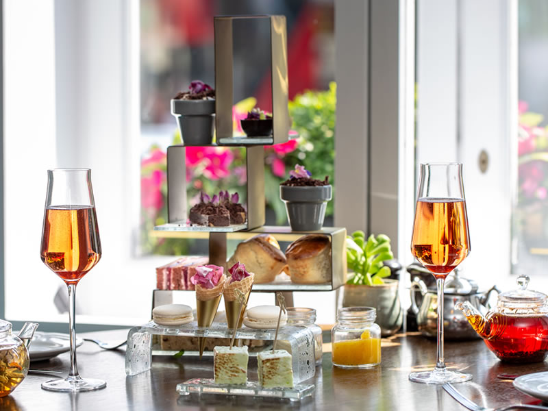 Afternoon Tea with free-flowing bubbly