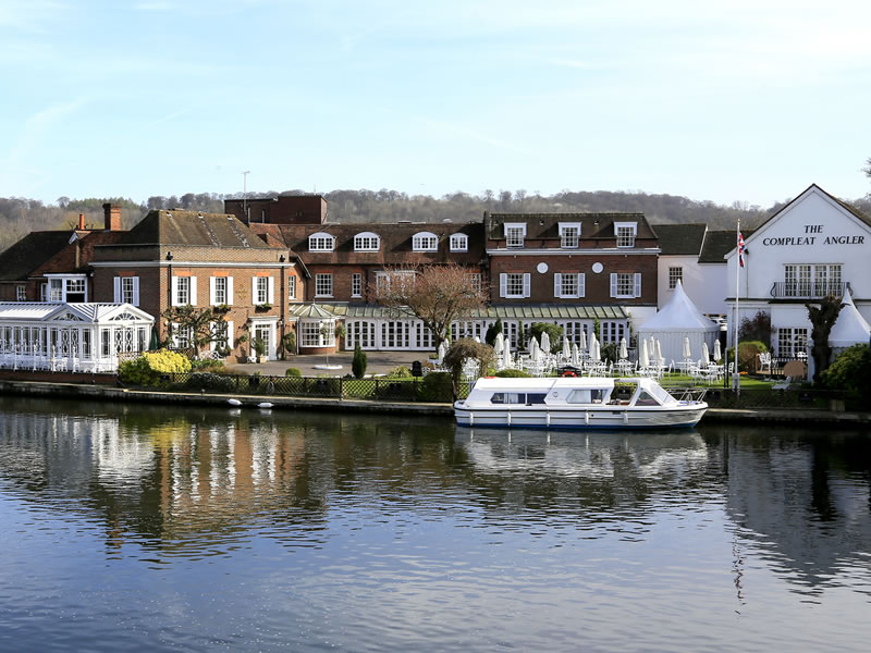 Macdonald Compleat Angler Afternoon Tea