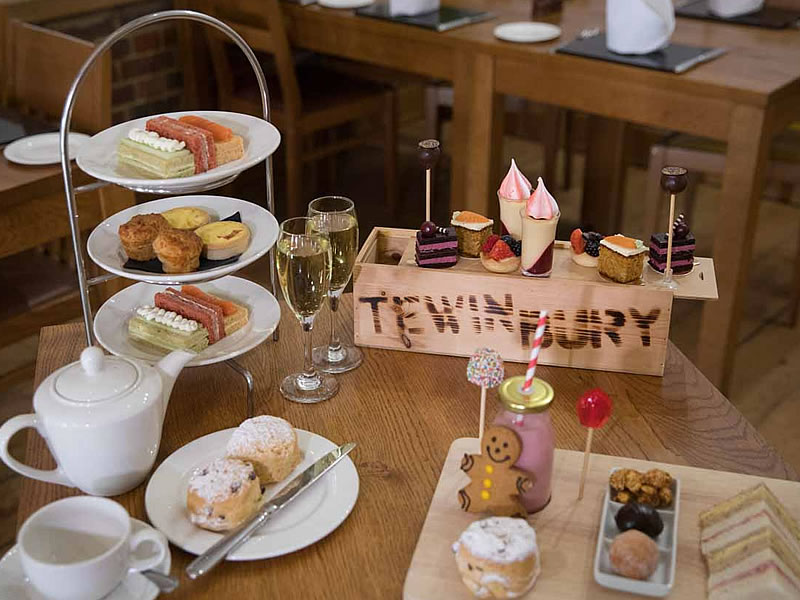 Afternoon tea & bottomless Prosecco £35 per person