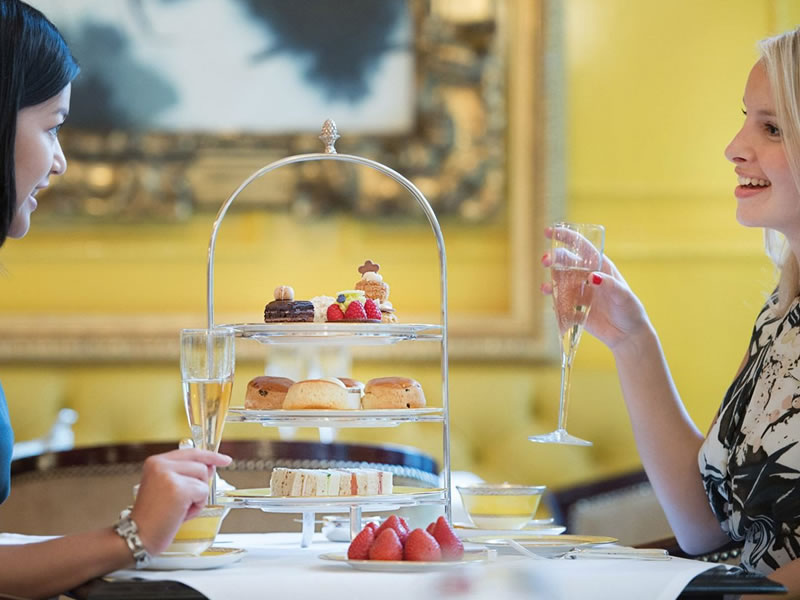 Afternoon tea in Westminster